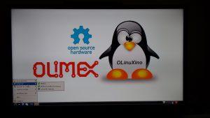 """Debian arrancó muy rápido en una TV SAMSUNG de 32"""" con una resolución HD. La primera impresión causada fue de fluidez."""