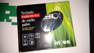 Inves Palm Keyboard en su embalaje