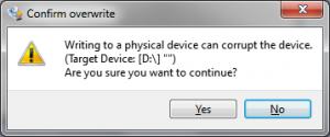 Win32 Disk Imager solicitará siempre confirmación a la hora de escribir la imagen. Al grabar se destruye la información previa, así que no es necesario formatear la tarjeta previamente.